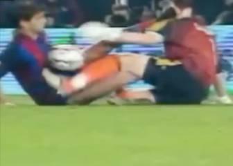 Casillas se jugó el rostro: ¡qué patada le dio Gerard en la cara!