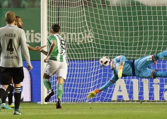 Sanabria sostiene al Betis y deja más tocado a Garitano