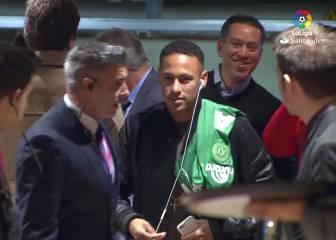 Neymar llegó al Clásico con la camiseta del Chapecoense
