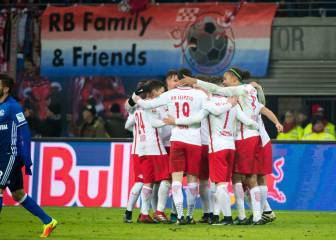 El Leipzig gana al Schalke y sigue líder en Alemania