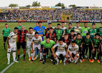 San Lorenzo players appear in swapped Chapecoense shirts