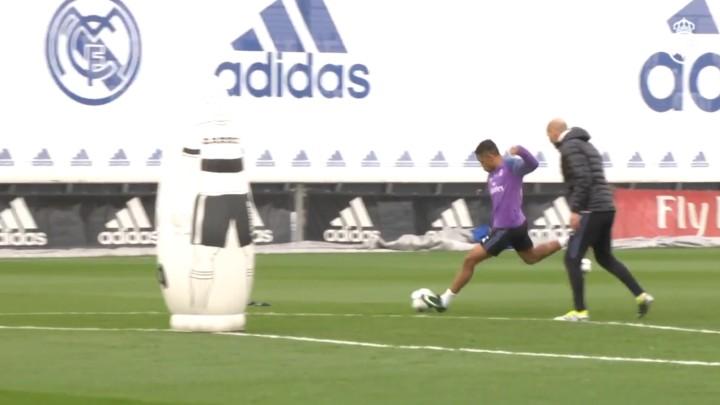 Uno de los mejores goles vistos en Valdebebas: Mariano \'on fire\'