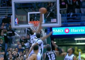 Los Spurs ganaron gracias a este tapón ilegal de Giannis