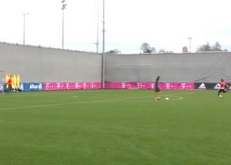 Lo de Neuer con los pies es una locura: trallazo a la escuadra