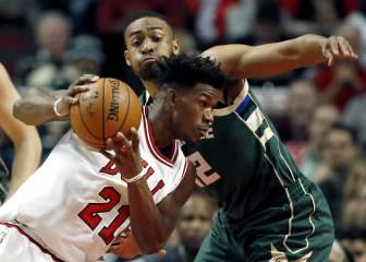 Los Bulls siguen en caída libre y pierden ante Milwaukee