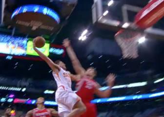 Ante los Rockets el cohete fue Booker: ¡Qué bestialidad de mate!