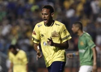 Póker de goles de Neymar en el duelo ante los amigos de Robinho