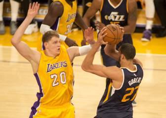 Hayward (31) fue demasiado para los Lakers de Randle (24)
