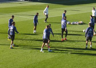 Kroos' sly kick-out at Lucas in Real Madrid training drill