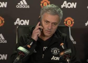 ¡No tiene desperdicio!: suena un móvil y así reacciona Mourinho
