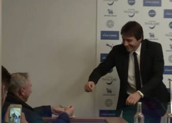 Conte sees journalist eating cake, takes a bite: