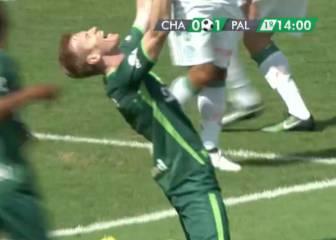 Primer gol de la 'Chape' tras la tragedia aérea: brazos al cielo