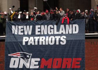 Patriots fans enjoy another Superbowl parade