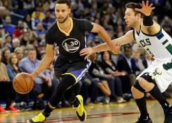 Curry y Thompson lanzan a los Warriors ante los Bucks
