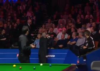 Referee ejects snoring spectator from snooker match