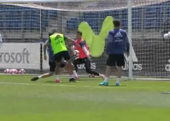 Real Madrid's Mariano scores lovely chipped goal in training