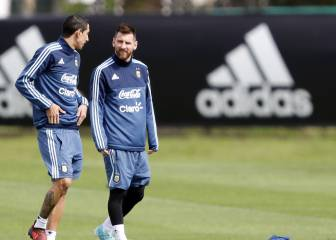 Messi trains with Argentina ahead of key Peru clash