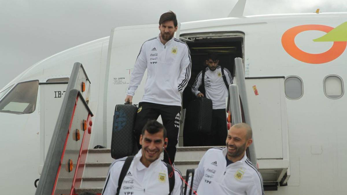 Messi and co. arrive in Madrid, train at Real Madrid training facility