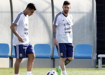 Barcelona eye Pavón signing on Messi's recommendation