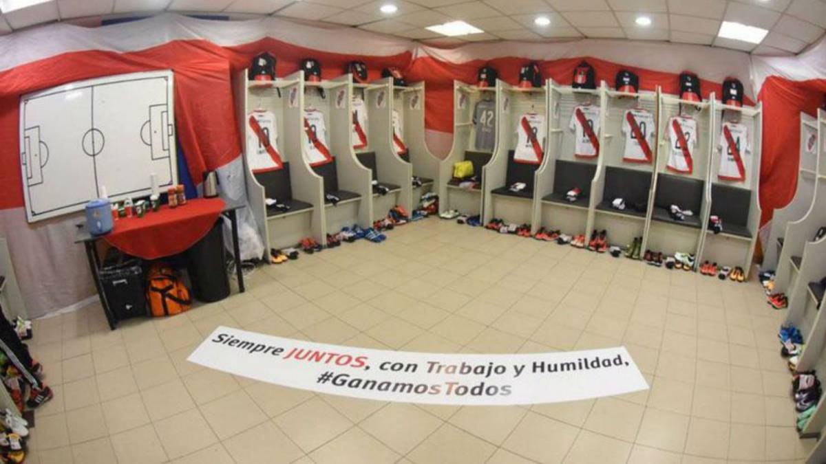 """Boca won't let River Plate decorate the dressing room in their colours"""