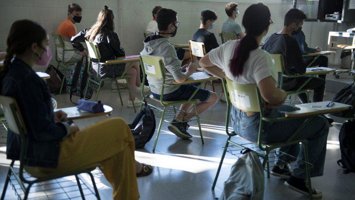 Clases presenciales: fecha, medidas y restricciones para el regreso a las  aulas - AS Argentina