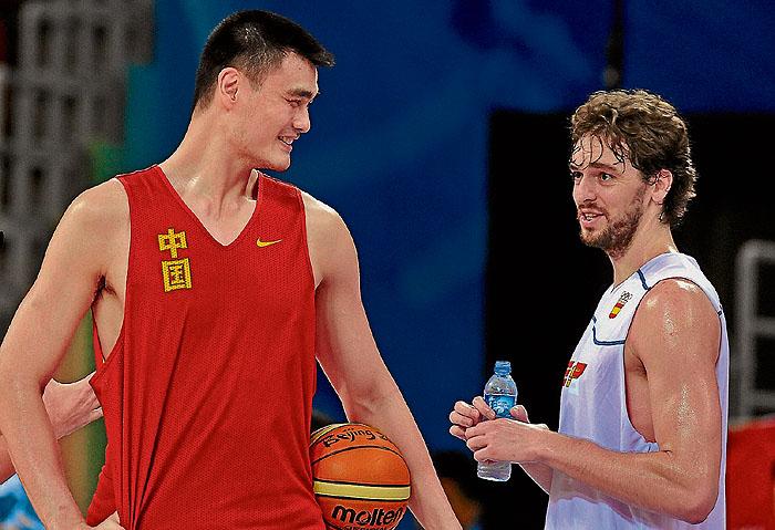 Robert Bobroczky el basquetbolista de 2,31 metros.  - Página 2 1218188144_740215_0000000001_noticia_grande