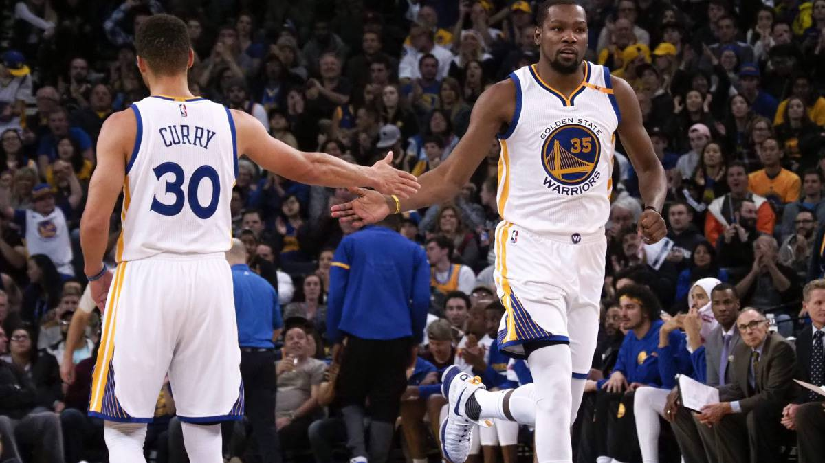 Los Warriors de Curry y Durant tumban a los Trail Blazers sin exigirse