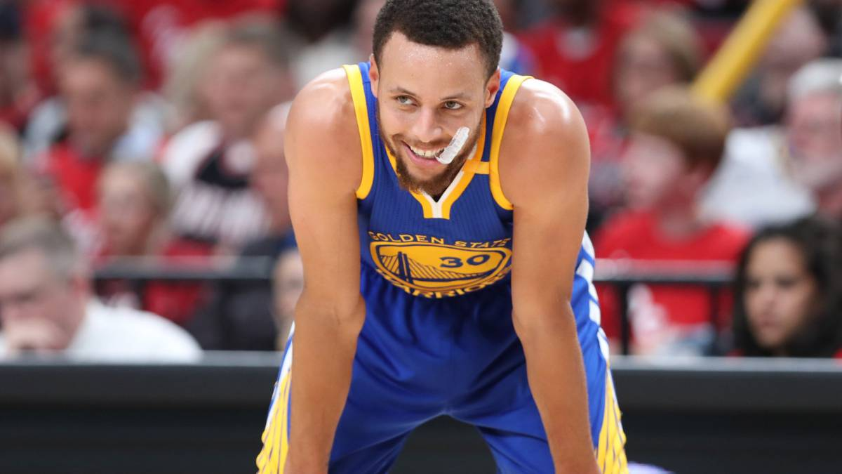 Curry se disfraza de Jordan y los Warriors acaban a los Blazers