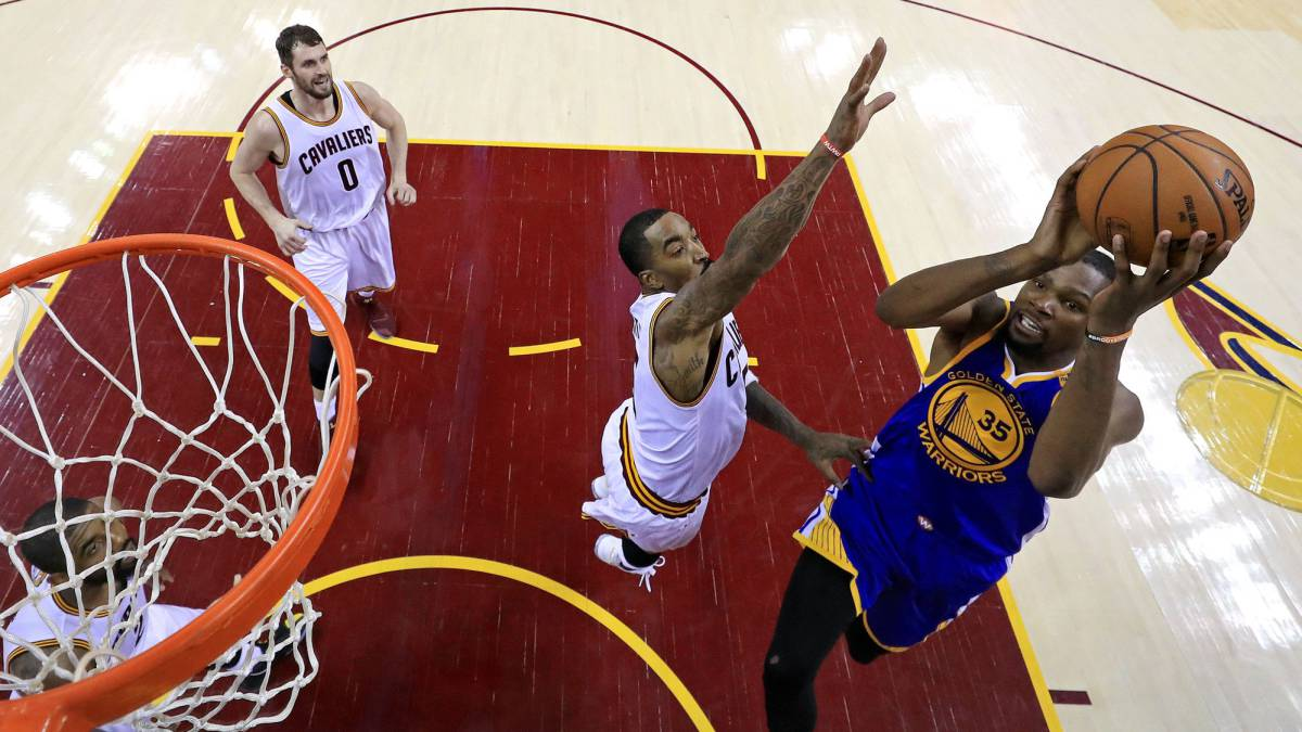 Cavs 137 - Warriors 116; LeBron y Kyrie baten a los Warriors