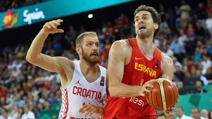España sufre para ganar a Croacia y certifica la primera posición de su grupo