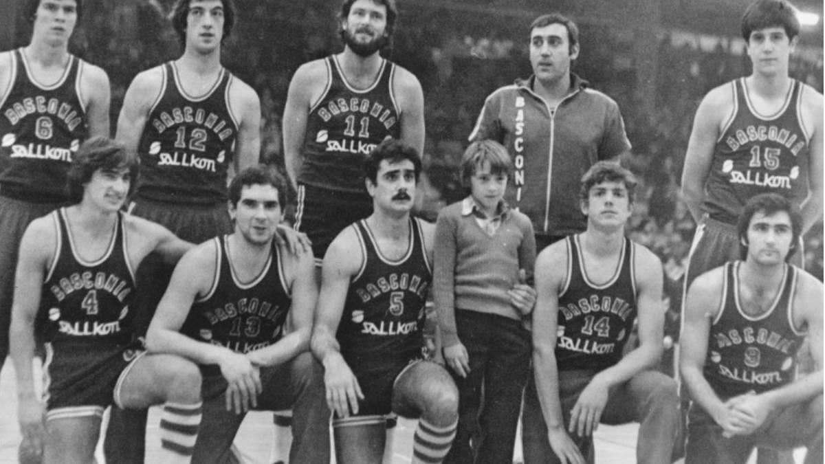 Proyecto 75 años de baloncesto en Álava. - Página 2 1510657419_885408_1510657576_noticia_normal