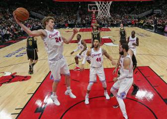 Ingram sobrevive a Mirotic, sublime Giannis (41+13+7) y debacle 'spur' ante los Sixers