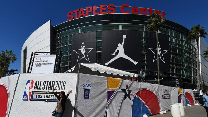 Vista general del Staples Center de Los Ángeles, el pabellón de los Lakers, Clippers y del NBA All Star 2018.