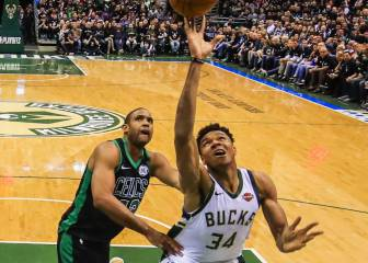 Brown y Tatum chocan con los interminables brazos de Giannis