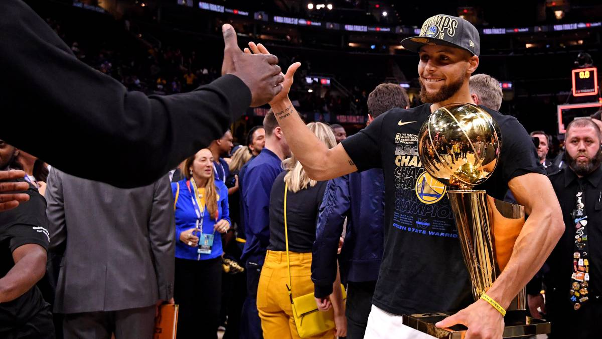 Stephen Curry, tras ganar el anillo con los Golden State Warriors.