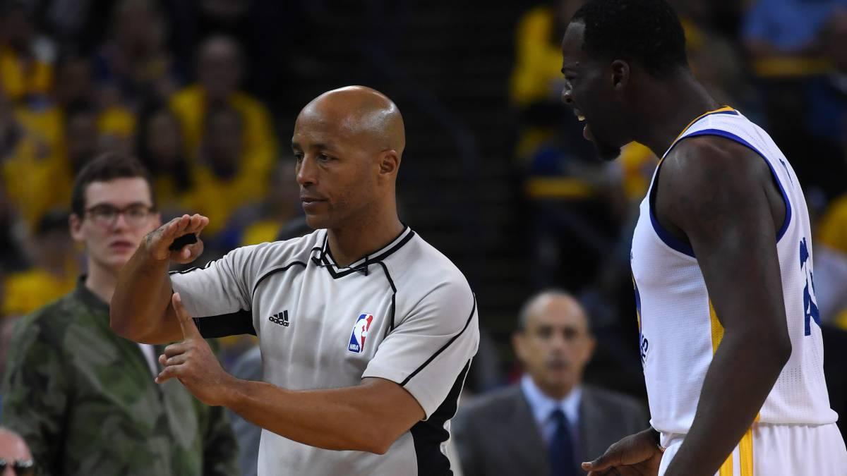 La NBA Estudia Cambiar 3 Reglas De Arbitraje Este Curso