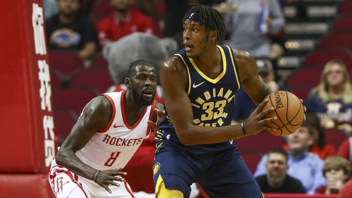Myles Turner, durante esta pretemporada contra Houston Rockets.