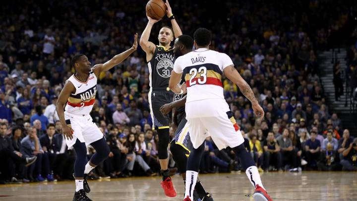 Genial Curry, remontada de los Warriors y récord total de triples