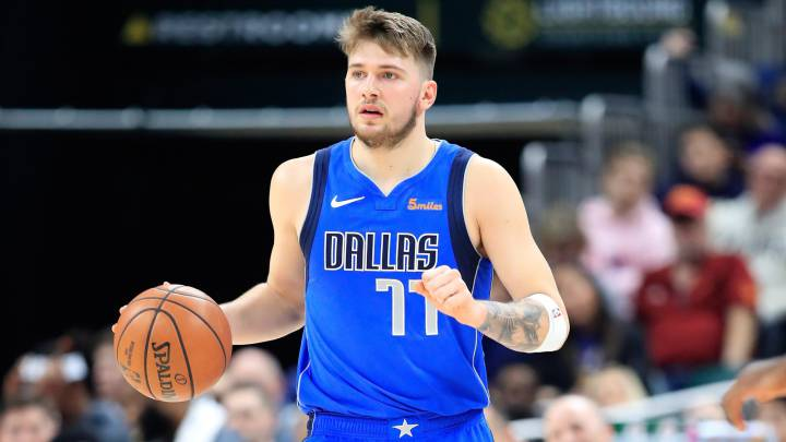Luka Doncic, base de Dallas Mavericks, durante el partido contra Indiana Pacers.