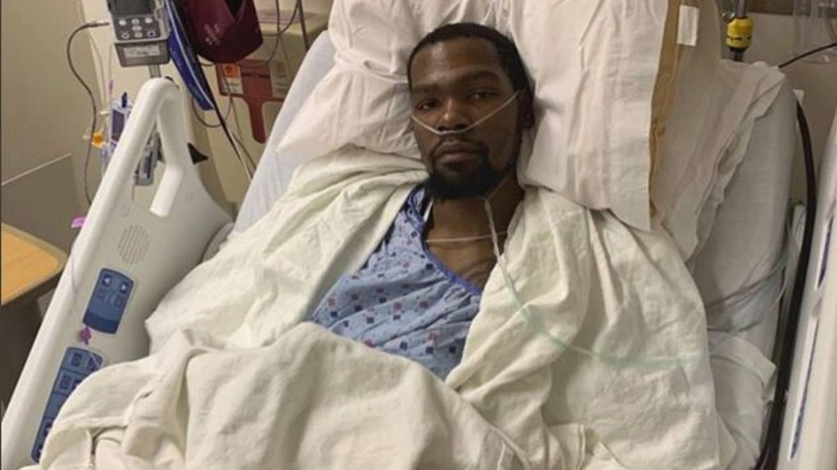 Kevin Durant, tras la operación del tendón de Aquiles.