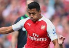 Alexis no brilla, pero Arsenal escala en la Premier League