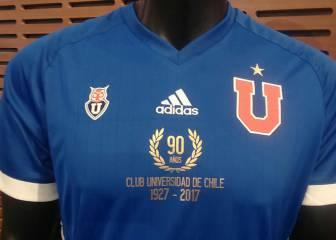 La U presenta la camiseta que utilizará por sus 90 años. Universidad de  Chile c0dcfc9e30e20