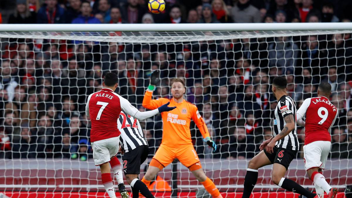 Sweet Özil volley gives Arsenal victory win over Newcastle