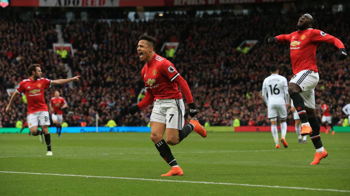 Manchester United 2-0 Swansea: Alexis Sánchez fue figura