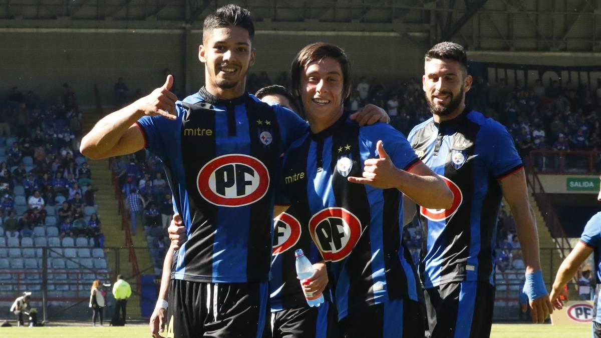 Huachipato vence sin problemas a Everton y sube al tercer lugar