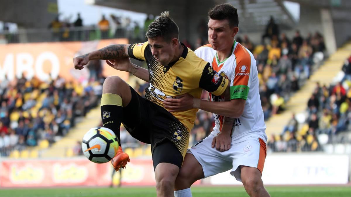 Piratas y mineros empataron 1-1 con goles de Holgado y Gaete, respectivamente. Valdivia venció a Copiapó de visita y alcanzó a los de El Salvador en el segundo puesto.