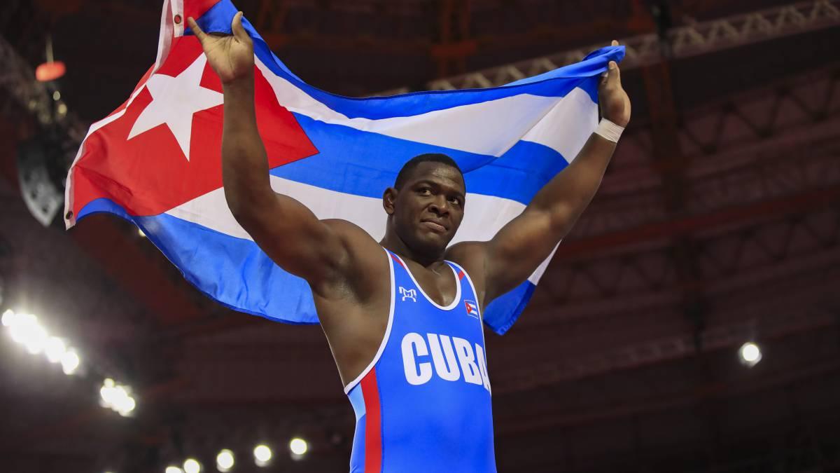 Gladiador cubano Mijaín López recibe felicitaciones por su cumpleaños 38