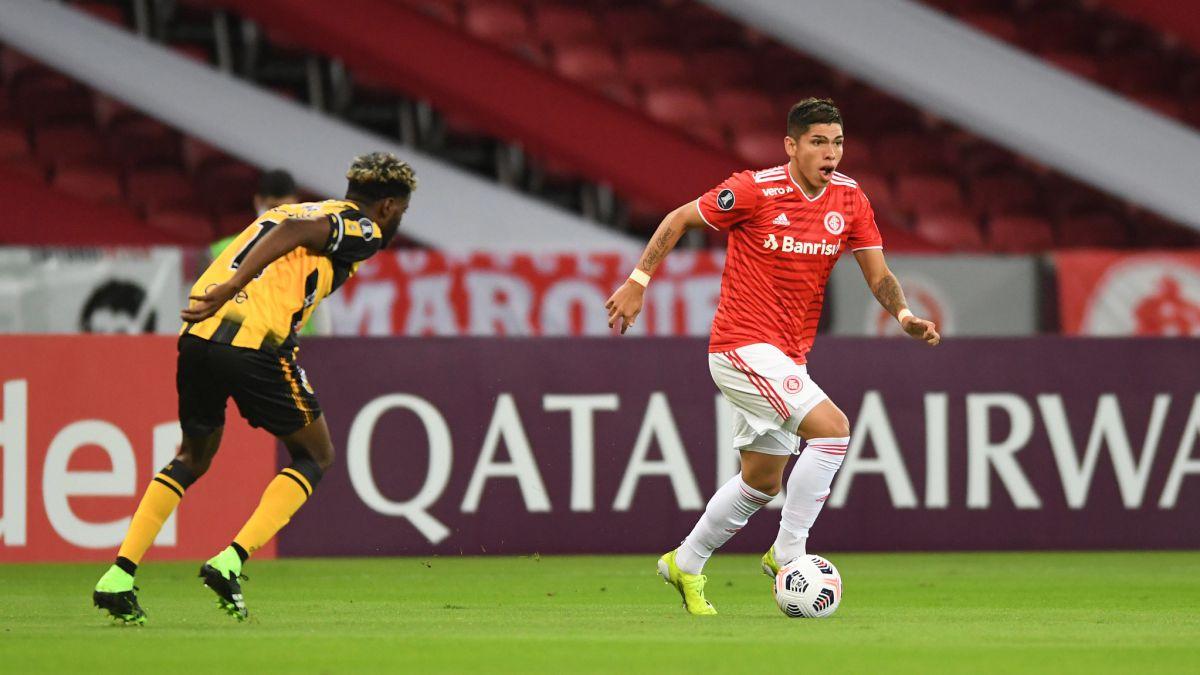 Carlos Palacios sufrió y fue expulsado en goleada del Inter - AS Chile