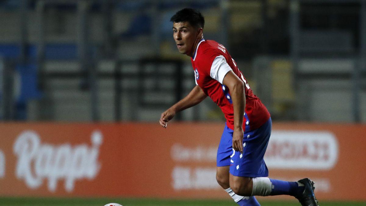 Alarcón, titular: los rasgos de juego que lo aproximan a Vidal - AS Chile