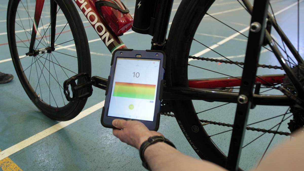 Revisión para evitar el uso de motores en pruebas ciclistas